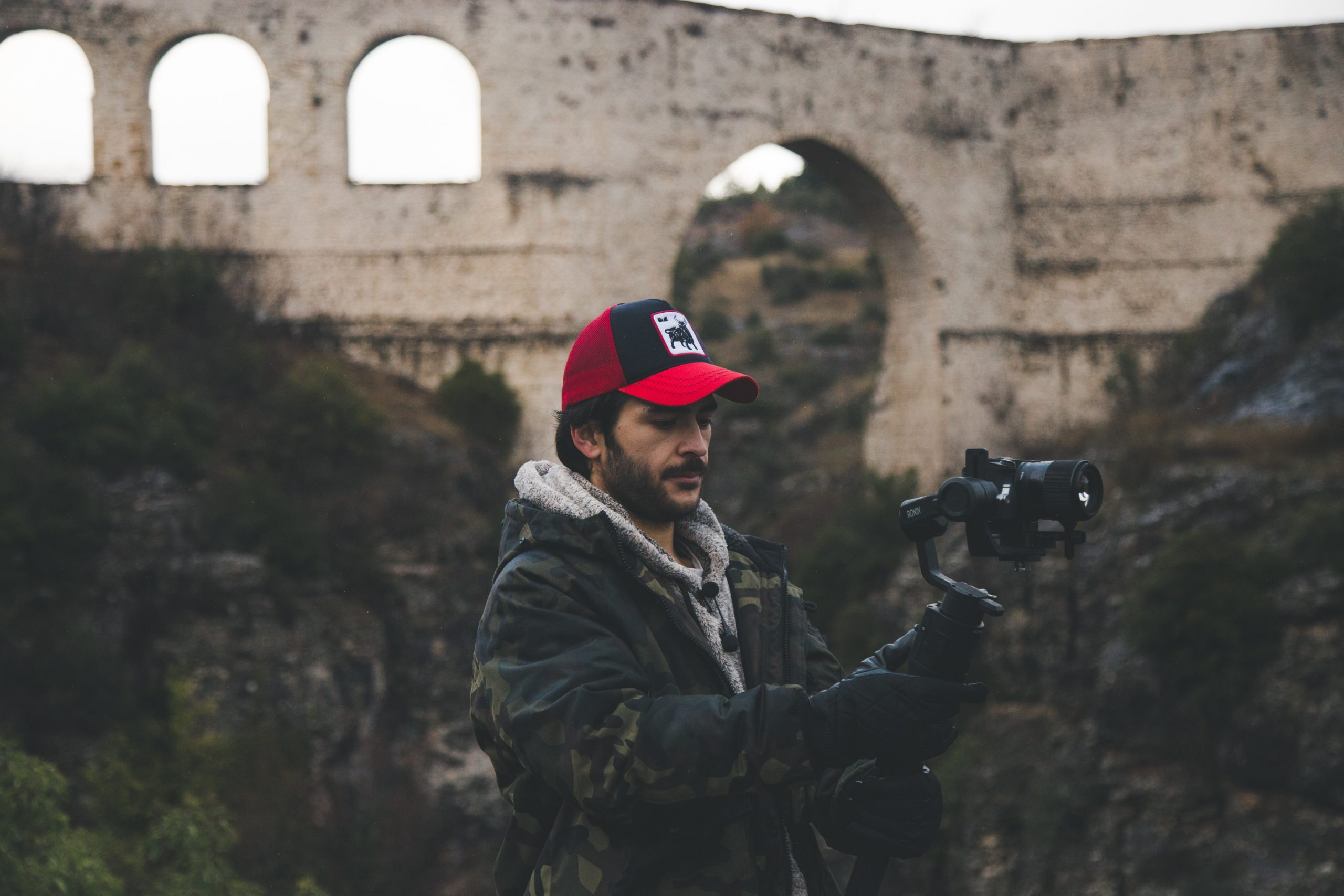how to choose the best vlogging tripod